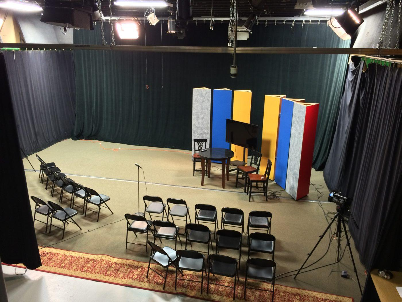 B2b With Dtv Rent Our Fully Equipped Studio Dedham Tv # Meuble Tv Angle Spaceo